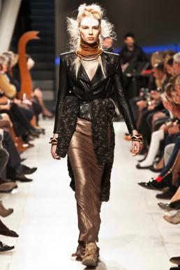 JANBOELO fashion show leather jack