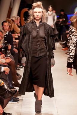 dutch designer JANBOELO show outfit