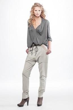 JanBoelo trousers grey top grijze top