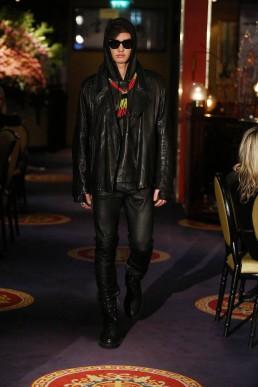 JANBOELO show Bolon Eyewear all black leather